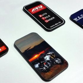 Držák mobilního telefonu - reference - Držák mobilního telefonu - díl s polepem